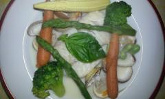 Nage de turbot et coques aux petits légumes