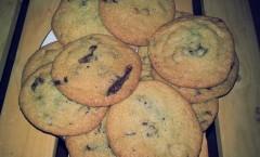 Cookies aux pépites de pâte d'amandes maison
