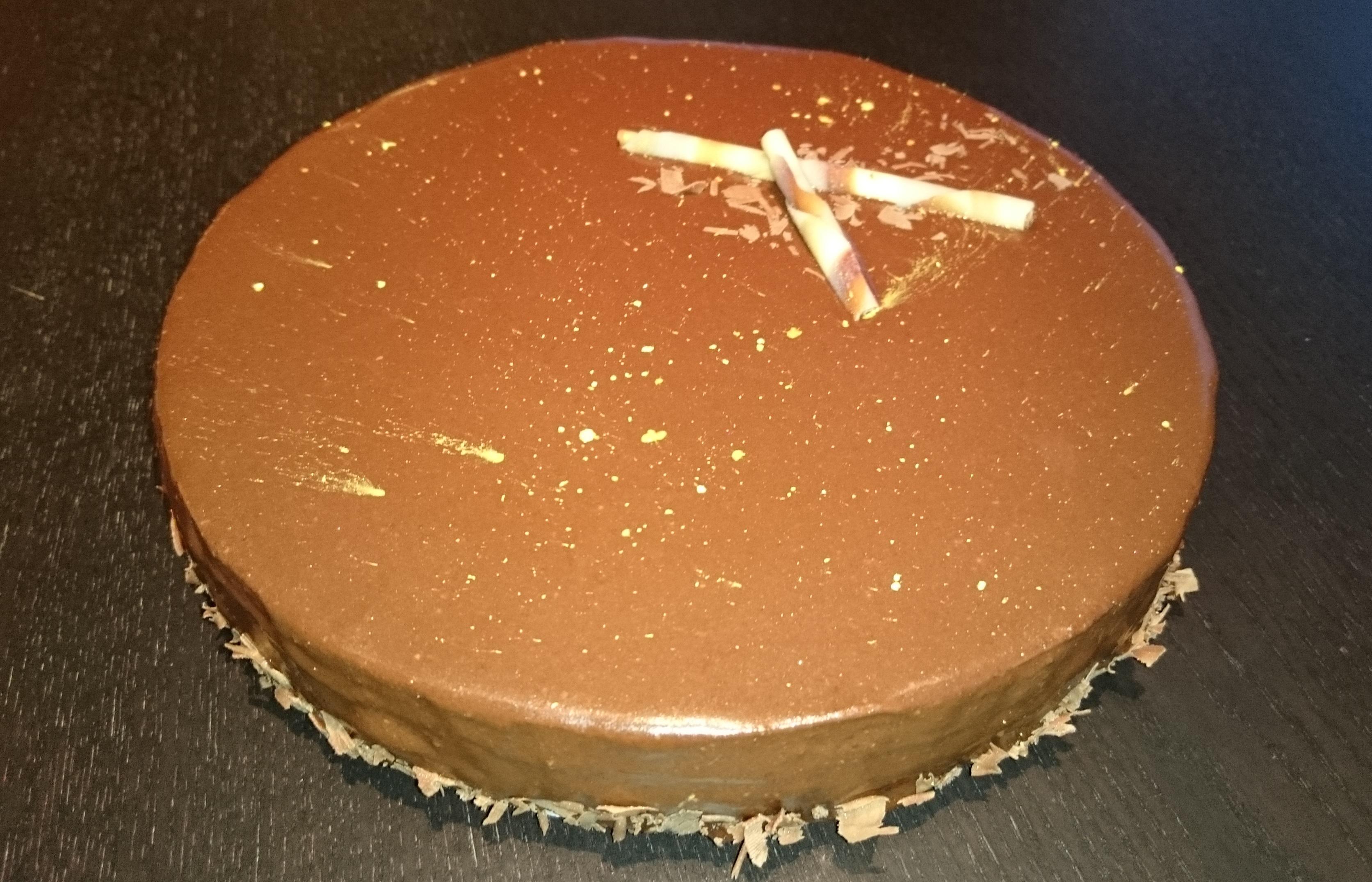 Gla age au chocolat a turbine en cuisine for Glacage miroir caramel