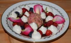 Potage d'été, fruits rouges, agrumes, menthe, rose et vanille de Tahiti de Rémy Escale et Frédéric Fernandez